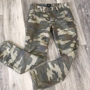 Men's Camouflaged Camo pants size 29/30